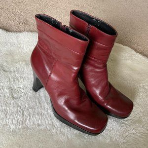 Vintage Y2K red leather square toe heel boots sz 7